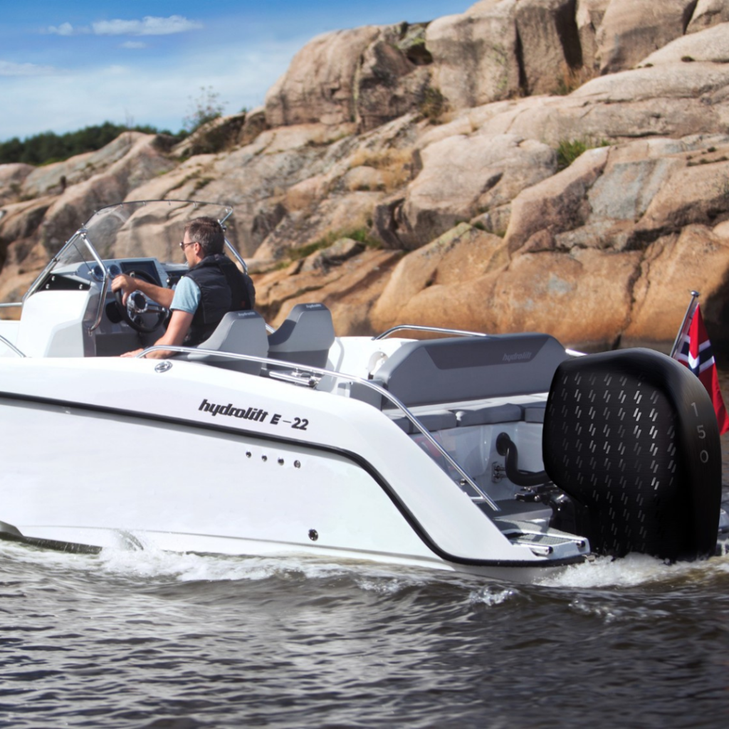 image of Hydrolift electric boat powered by evoy